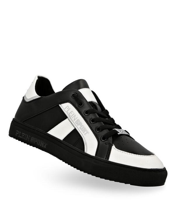 Lo-Top Sneakers Cross Tiger